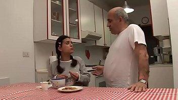 अश्लील वीडियो के साथ जिप्सी में रोमानिया खाने के बाद, सांता, वह मजबूत