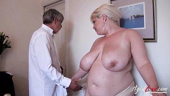 गोरा डॉक्टर को पसंद करता है