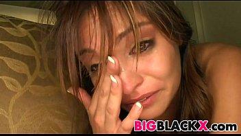 एक युवा लड़की का विरोध नहीं करता में इस तरह के एक रोना
