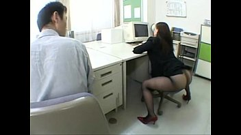النساء في الجنس مكتب الحمار الجنس فارغة مع موظف